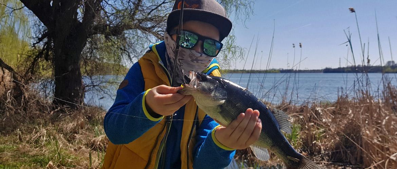 ghid de pescuit bass
